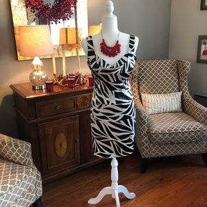 Dresses & Skirts - Fun Black and white dress, size 8/10